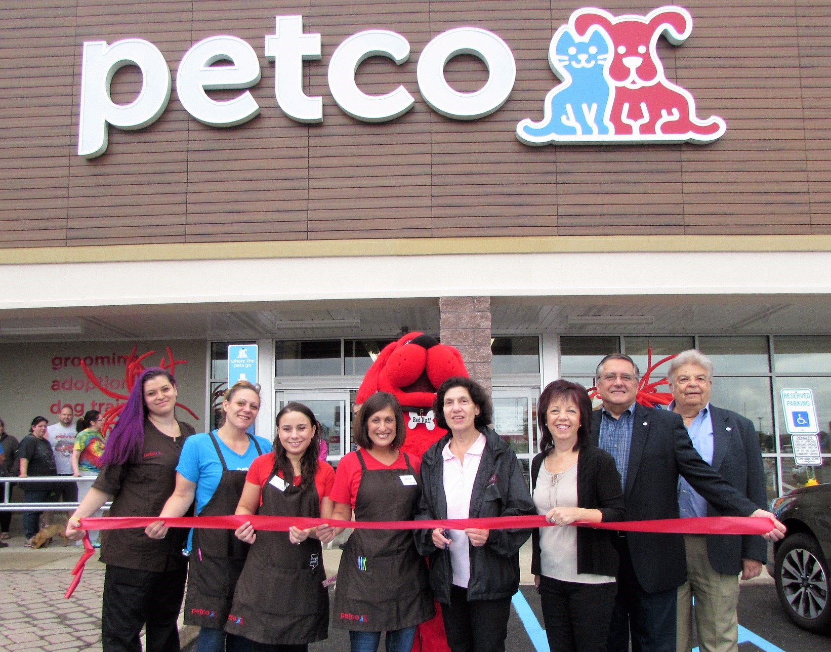 Official Website of East Windsor Township, New Jersey - Petco Opens